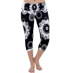 Fluctuation Hole Black White Circle Capri Yoga Leggings