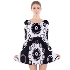 Fluctuation Hole Black White Circle Long Sleeve Velvet Skater Dress
