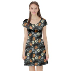 Colorful Halloween Pattern With Pumkins Bats And Skulls Short Sleeve Skater Dress