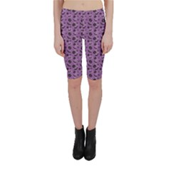 Purple Halloween Pumpkins Bats And Spiders Grungy Cropped Leggings
