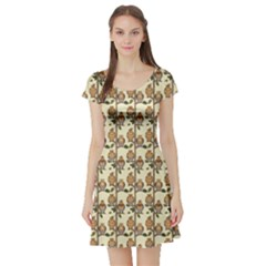 Green Pattern With Owls Oak Trees Leafs Boughs Short Sleeve Skater Dress by CoolDesigns