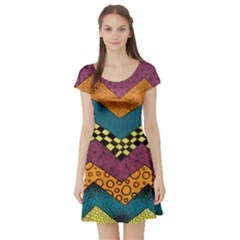 Painted Chevron Pattern Wave Rainbow Color Short Sleeve Skater Dress