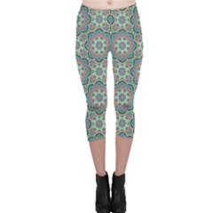 Decorative Ornamental Geometric Pattern Capri Leggings