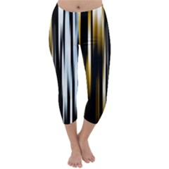Digitally Created Striped Abstract Background Texture Capri Winter Leggings