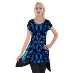 Blue Snowflake On Black Background Short Sleeve Side Drop Tunic