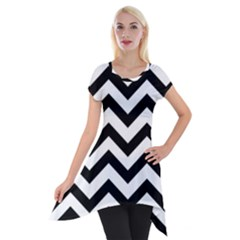Black And White Chevron Short Sleeve Side Drop Tunic
