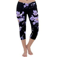 Autumn Crocus Capri Yoga Leggings