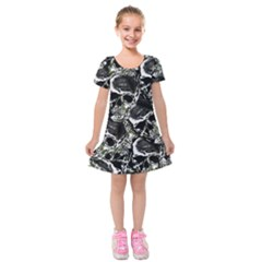 Skulls Pattern Kids  Short Sleeve Velvet Dress by ValentinaDesign