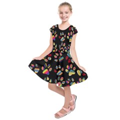 Colorful Paw Prints Pattern Background Reinvigorated Kids  Short Sleeve Dress by Nexatart