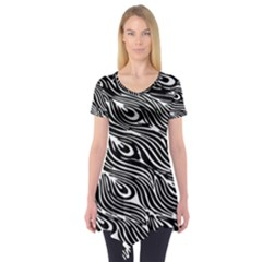 Digitally Created Peacock Feather Pattern In Black And White Short Sleeve Tunic