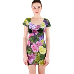 Lovely Flowers 17 Short Sleeve Bodycon Dress