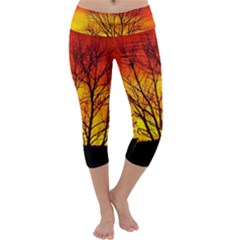 Sunset Abendstimmung Capri Yoga Leggings by BangZart