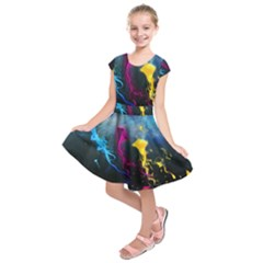Kite Flying Artistic Kids  Short Sleeve Dress by amphoto