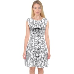 Black Psychedelic Pattern Capsleeve Midi Dress
