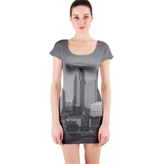 Minneapolis Minnesota Skyline Short Sleeve Bodycon Dress