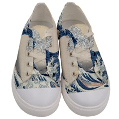The Classic Japanese Great Wave Off Kanagawa By Hokusai Men s Low Top Canvas Sneakers