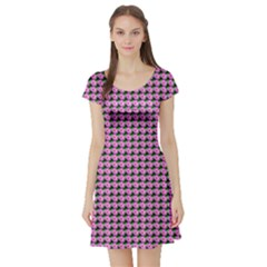 Pattern Grid Background Short Sleeve Skater Dress by Nexatart