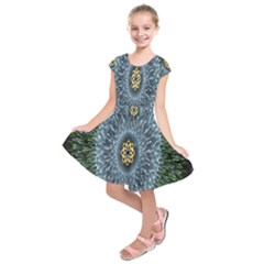 Hipnotic Star Space White Green Kids  Short Sleeve Dress by Mariart