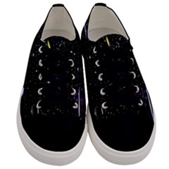 Space Warp Speed Hyperspace Through Starfield Nebula Space Star Hole Galaxy Men s Low Top Canvas Sneakers