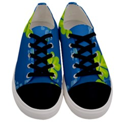 Flower Shamrock Green Blue Sexy Men s Low Top Canvas Sneakers