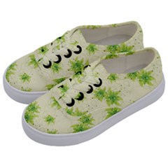 Leaf Green Star Beauty Kids  Classic Low Top Sneakers by Mariart
