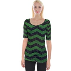 CHEVRON3 BLACK MARBLE & GREEN LEATHER Wide Neckline Tee