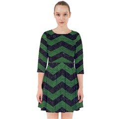 CHEVRON3 BLACK MARBLE & GREEN LEATHER Smock Dress
