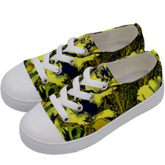 Amazing Glowing Flowers 2c Kids  Low Top Canvas Sneakers by MoreColorsinLife
