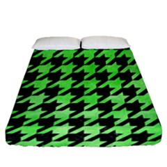 Houndstooth1 Black Marble & Green Watercolor Fitted Sheet (queen Size) by trendistuff