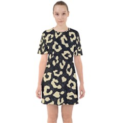 Skin5 Black Marble & Light Sand (r) Sixties Short Sleeve Mini Dress