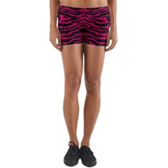 Skin2 Black Marble & Pink Leather (r) Yoga Shorts