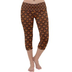 SCALES2 BLACK MARBLE & RUSTED METAL Capri Yoga Leggings