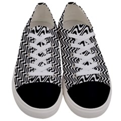 Black And White Waves Illusion Pattern Women s Low Top Canvas Sneakers