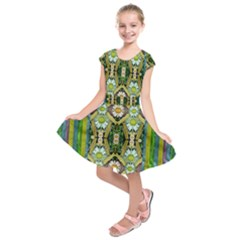 Bread Sticks And Fantasy Flowers In A Rainbow Kids  Short Sleeve Dress