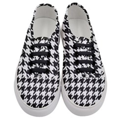 Houndstooth1 Black Marble & White Linen Women s Classic Low Top Sneakers