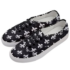 ROYAL1 BLACK MARBLE & WHITE LINEN Women s Classic Low Top Sneakers