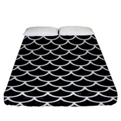 Scales1 Black Marble & White Linen (r) Fitted Sheet (king Size) by trendistuff