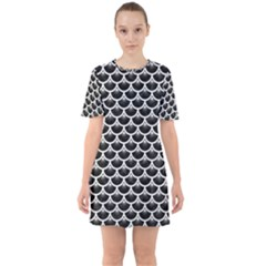 Scales3 Black Marble & White Linen (r) Sixties Short Sleeve Mini Dress