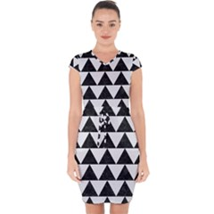TRIANGLE2 BLACK MARBLE & WHITE LINEN Capsleeve Drawstring Dress
