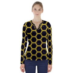 HEXAGON2 BLACK MARBLE & YELLOW LEATHER (R) V-Neck Long Sleeve Top