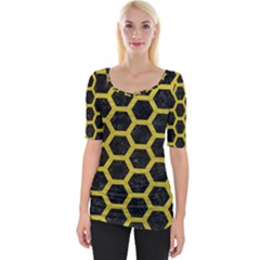 HEXAGON2 BLACK MARBLE & YELLOW LEATHER (R) Wide Neckline Tee