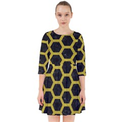 HEXAGON2 BLACK MARBLE & YELLOW LEATHER (R) Smock Dress