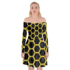 HEXAGON2 BLACK MARBLE & YELLOW LEATHER (R) Off Shoulder Skater Dress