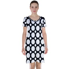 Tileable Circle Pattern Polka Dots Short Sleeve Nightdress