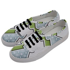 Tree Spruce Xmasts Cool Snow Men s Classic Low Top Sneakers by Alisyart