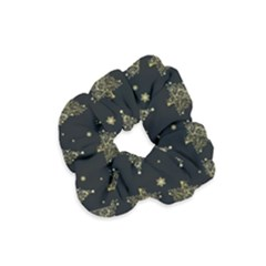 Christmas Tree   Pattern Velvet Scrunchie