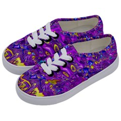 Melted Fractal 1a Kids  Classic Low Top Sneakers by MoreColorsinLife