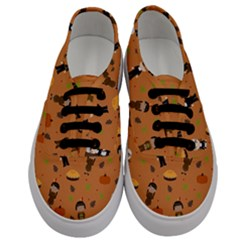 Pilgrims And Indians Pattern   Thanksgiving Men s Classic Low Top Sneakers