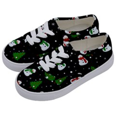 Snowman Pattern Kids  Classic Low Top Sneakers by Valentinaart