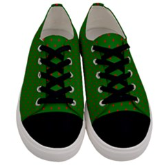 Mini Red Dots On Christmas Green Men s Low Top Canvas Sneakers